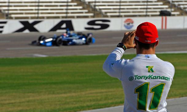 Barrichello Tests At Texas
