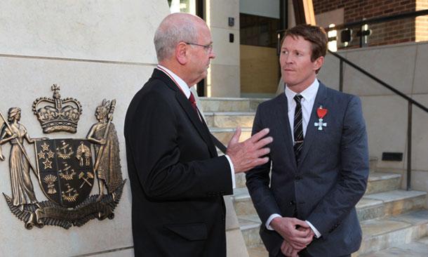 Dixon Given New Zealand Award