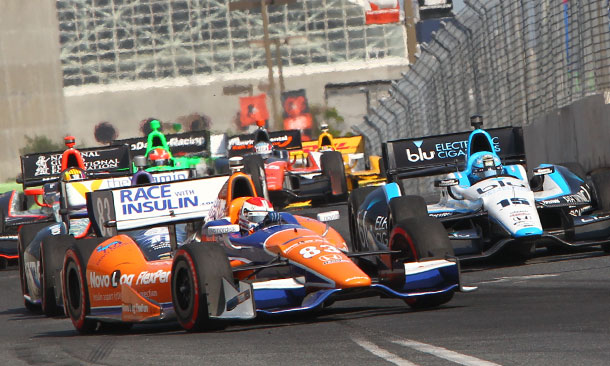 Charlie Kimball leads a pack at Baltimore