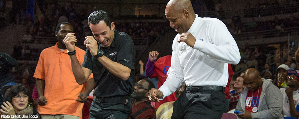 Castroneves takes a spin in aisles at NBA game